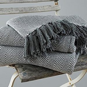 Country-Club-Como-Cotton-ThrowBlanket-with-Herringbone-Design-Grey-0